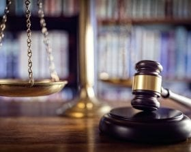 Judge's gavel and scales of justice: ID 66558437 © Flynt | Dreamstime.com