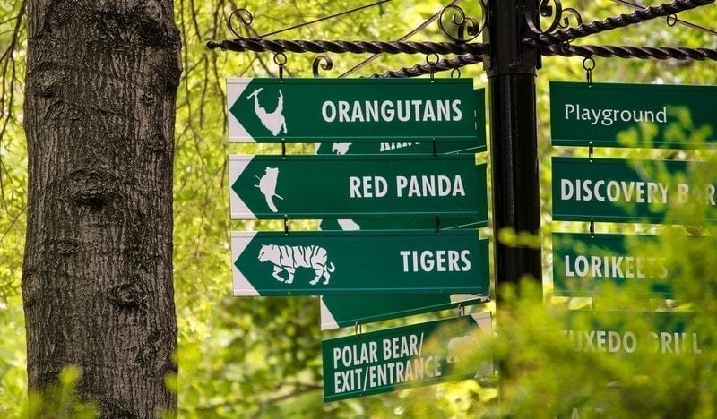 Kansas City Zoo signs: ID 42566573 © Fotoeye75 | Dreamstime.com