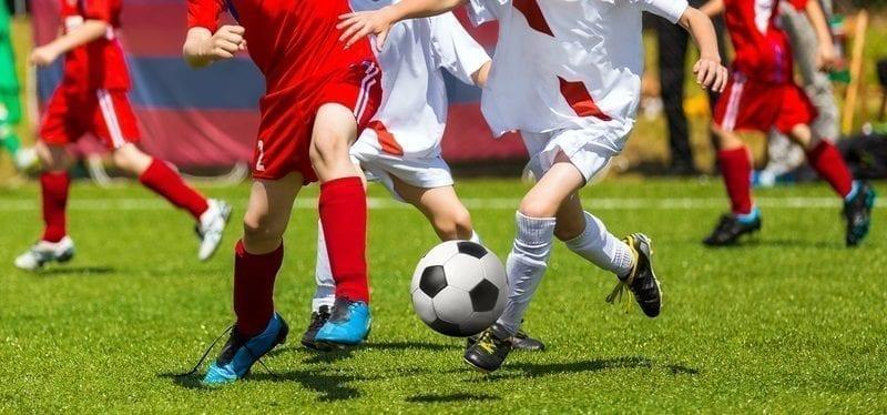 Soccer game: ID 82890185 © Matimix | Dreamstime.com