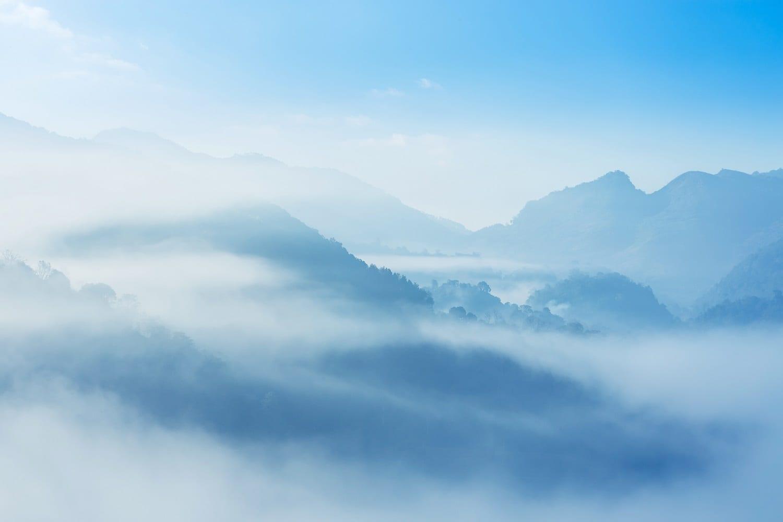 Misty rainforest mountains (Thailand): ID 113302041 © Airubon | Dreamstime.com