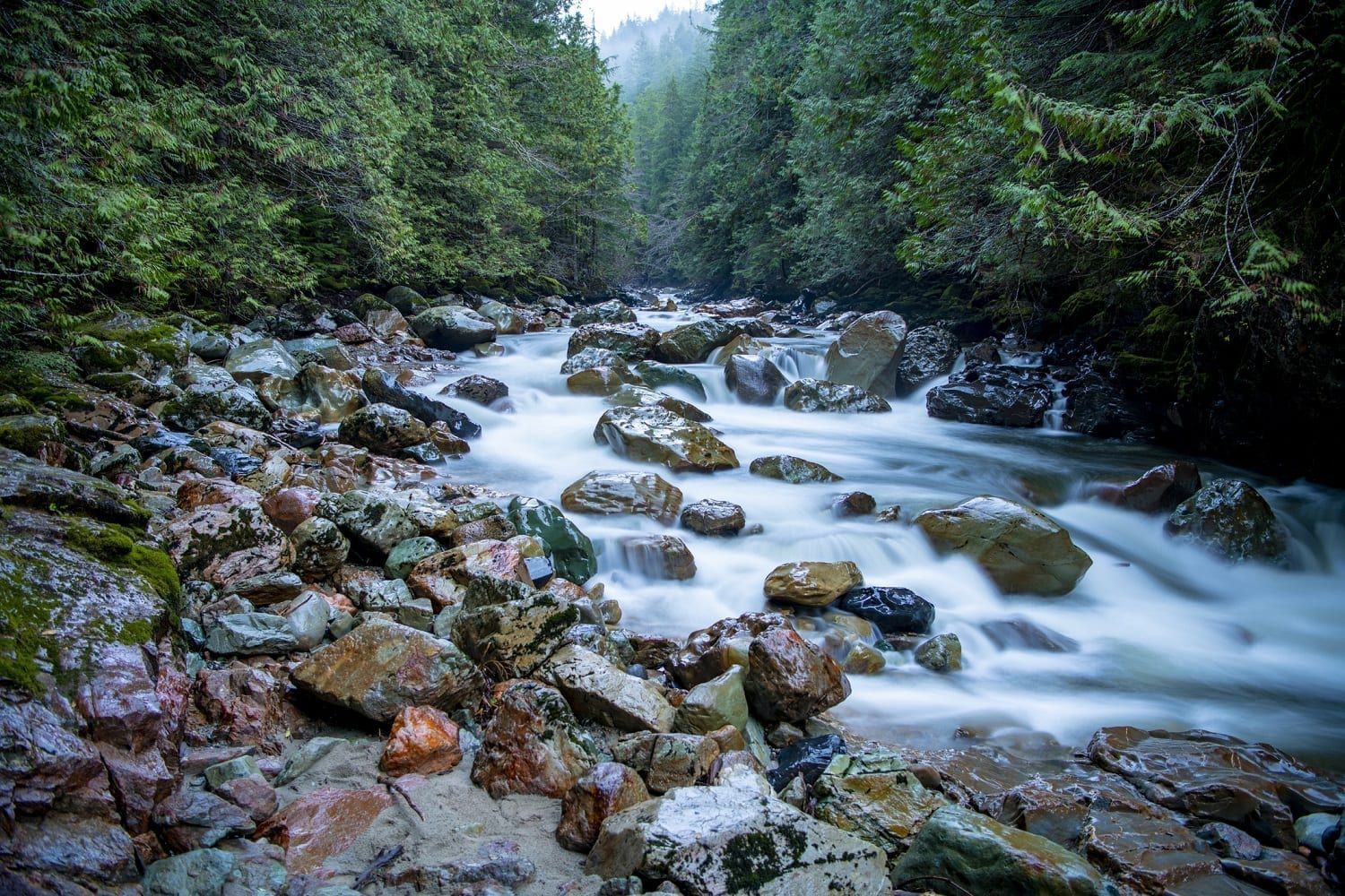 Washington State stream full of rocks: ID 146431858 © Kurt Adams | Dreamstime.com