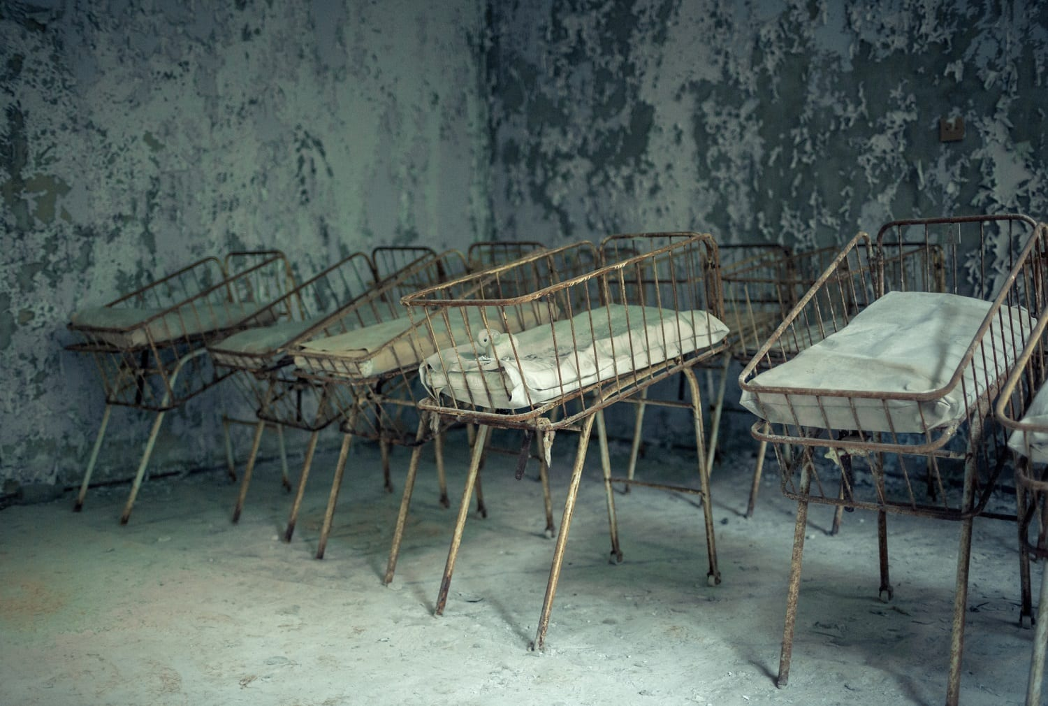 Abandoned Infants' Ward with rusty Bassinets: ID 110406990 © Daria Kochetova | Dreamstime.com