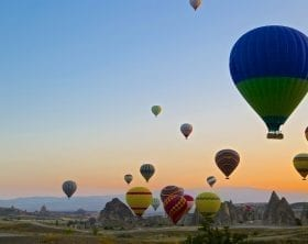 Hot air balloons at sunrise over Turkey, photo credit: Pxhere