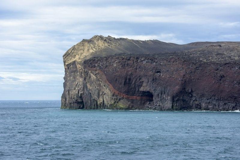 Cliffs of Surtsey Island, Iceland: ID 60597183 © Hel080808 | Dreamstime.com