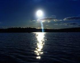Full Moonlit lake: ID 104503135 © Sjstudio357 | Dreamstime.com