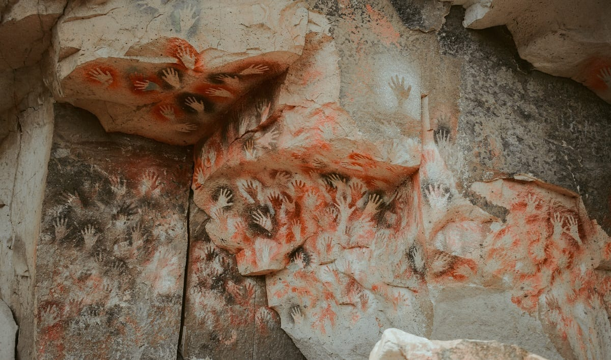 Hand Cave Art Santa Cruz, Argentina: Photo 191086718 © Wirestock | Dreamstime.com