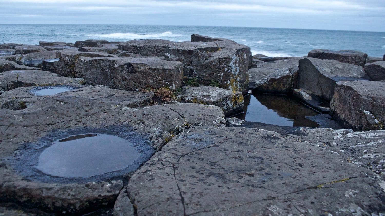 Giants Causeway with Puddles: ID 150329619 © Dan Martin | Dreamstime.com