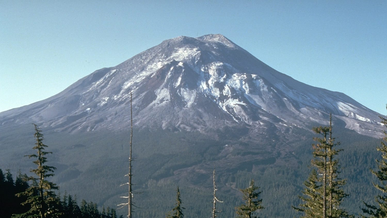 Mount St. Helens, May 17, 1980, photo credit: USGS