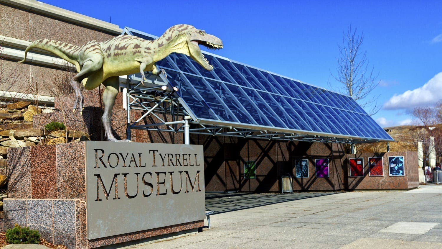 Royal Tyrrell Museum entrance: ID 40212929 © Martial Genest | Dreamstime.com