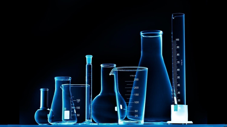 Laboratory beakers: ID 19048225 © Irochka | Dreamstime.com