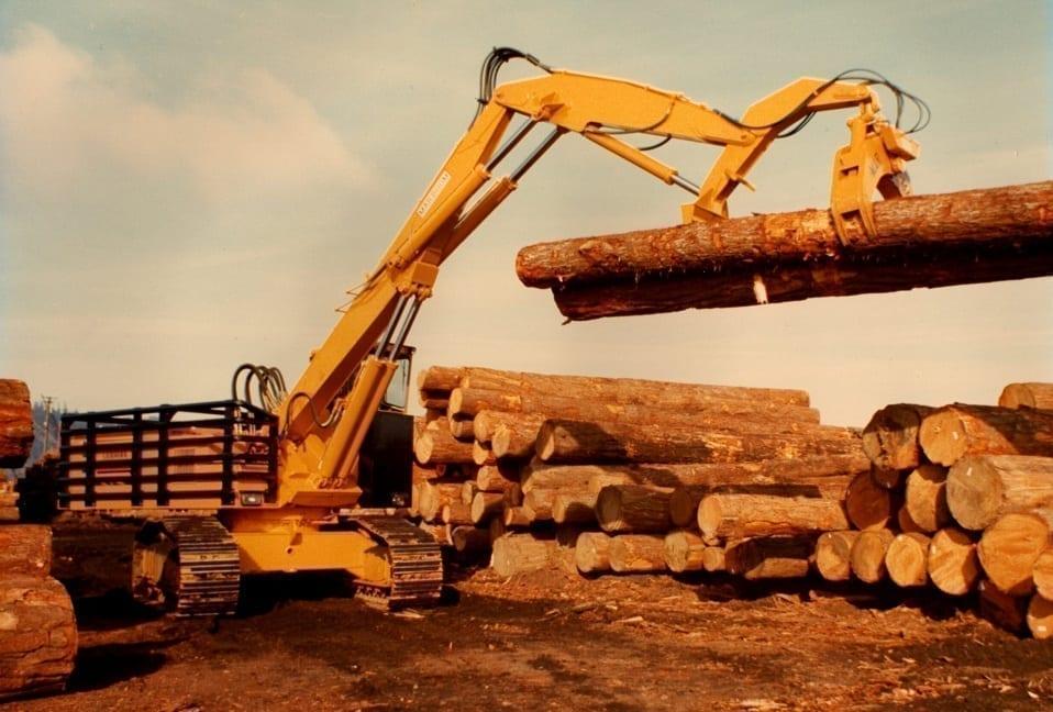 Log loader in action