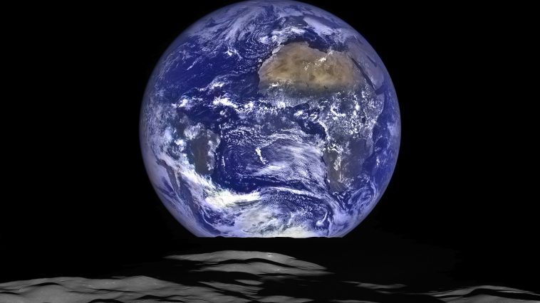 Earthrise from the moon, photo credit: NASA